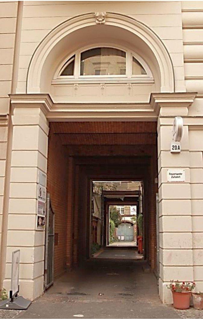 Das ist der Eingang zu unserem Hof in der Kulmer Straße