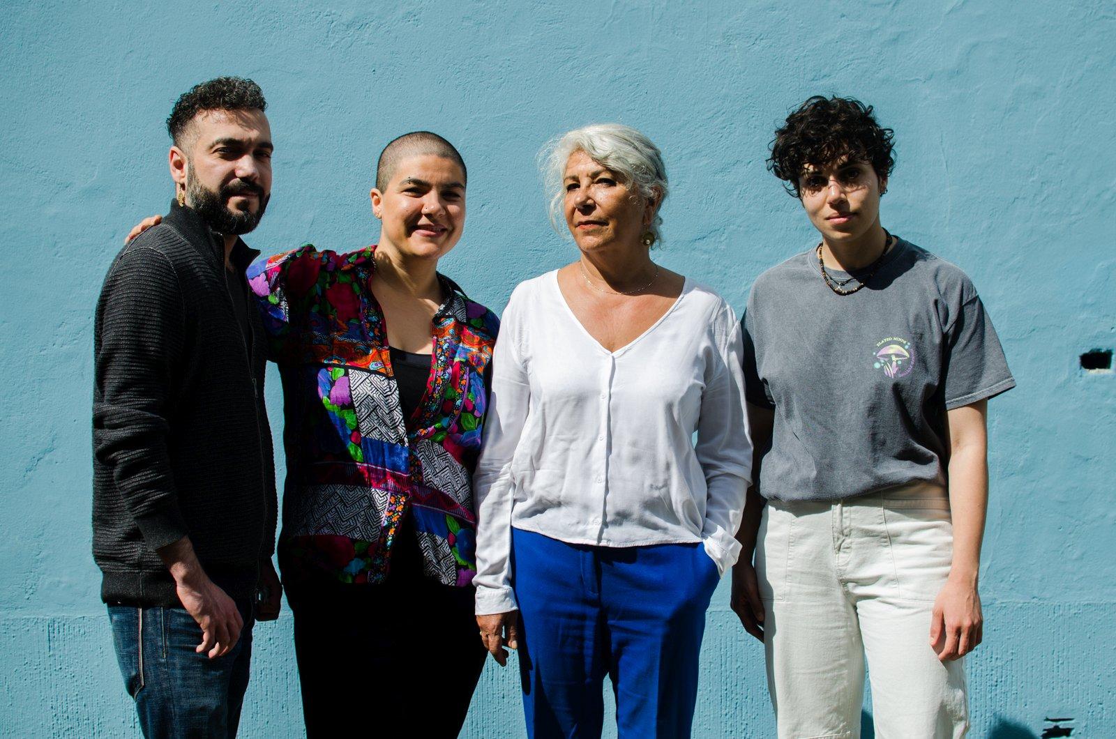 Das Foto zeigt das Refugee-Team: Kaveh, Nazila, Mitra und Lus